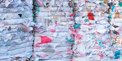 Recyclage du papier mise en balles