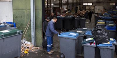 Arrivée des déchets des entreprises en centre de tri