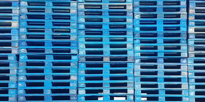 Palettes bleues en location