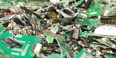 Broyage carte électronique recyclage DEEE