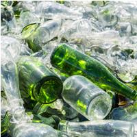 Déchet recyclé au bureau bouteilles verre